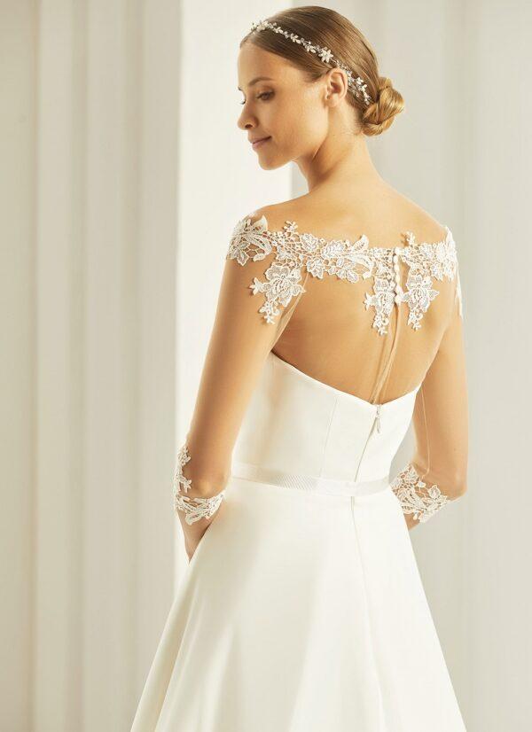 Bianco Evento bolero voor over je bruidsjurk. Transparant met kanten randen en driekwart mouwen.