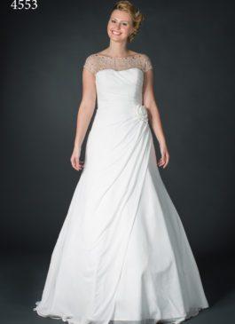 plussize bruidsjurk met soepele rok