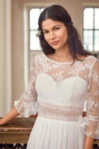 bohemian trouwjurk met kanten mouwen en losse rok