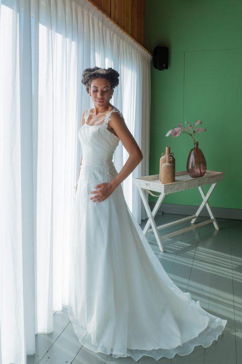 betaalbare bruidsmode almere